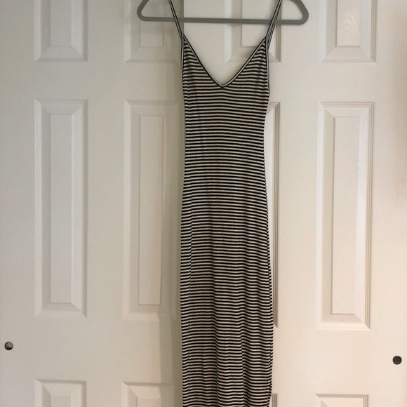 Brandy Melville Dresses & Skirts - Brandy Melville Maxi Dress